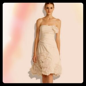 BCBG MAXAZRIA cream applique wedding dress size 4